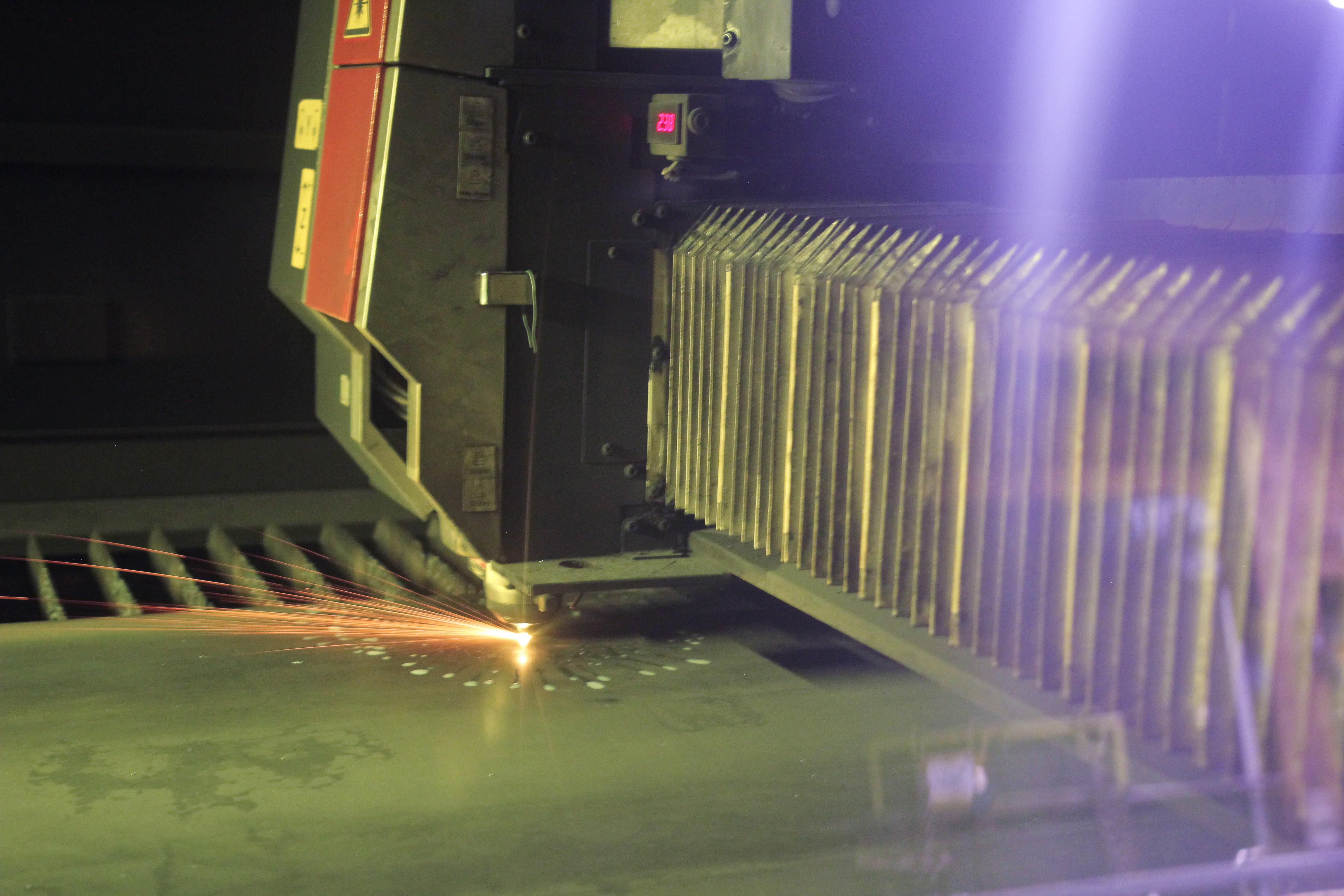 Amada Ensis 4020 Aj Fiber Laser Cutting System Metelec